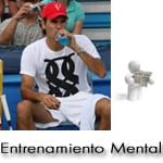 Roger Federer en un partido de tenis realizando rutina mental