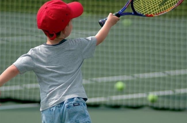 ¿A que edad debería un niño comenzar a jugar al tenis?