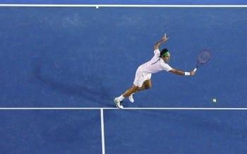 Estrategia saque y volea en tenis