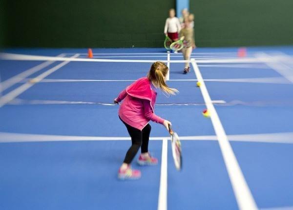 Cómo hacer para que tus hijos quieran jugar al tenis